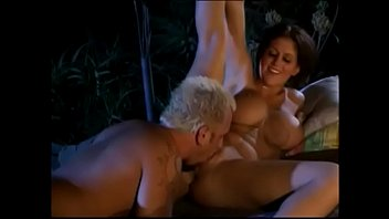 Curvy sex fiend with round ass gets doggystyle fucking outdoors