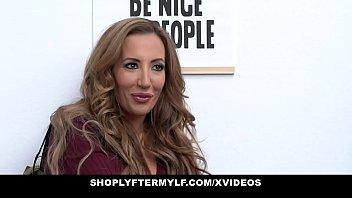 ShopLyfterMYLF - Beautiful Milf (Richelle Ryan) Gags On Mall Cop's Big Cock