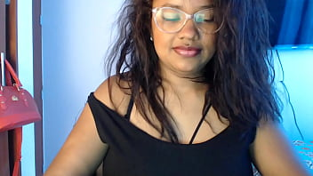 Shy Chick Jerks Off Energetically On Webcam
