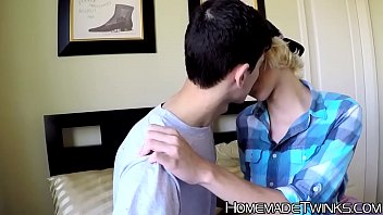 Homemade anal after long kissing session for some twinks