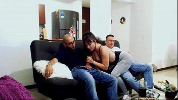 KOURTNEYXLOVE THREESOME WITH THE FRIENDS HUSBAND soldierhugcock SPANISH PORN 11 min