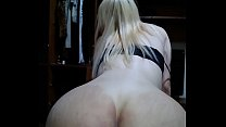 Trans loirinha linda sentando gostoso