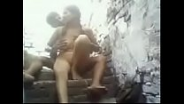 Desi Girl tries threesome