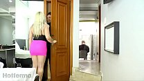 Esposa fodendo com amante pelas costas do marido