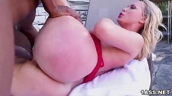 Dazzling blonde MILF Nikki Benz enjoys a big black dick