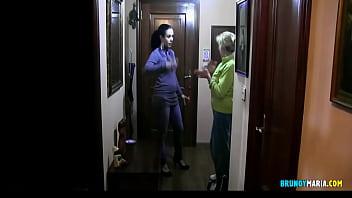 Maria y Cristina: Follada sin CONDON al Repartidor del Supermercado. Jódete Cabrón!! 31 min