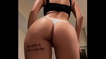Malu trevejo move the ass