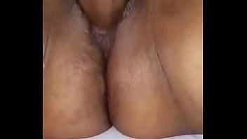 Dandole duro por la chucha a la hembra