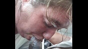 Good chick luv sucking bbc for weed