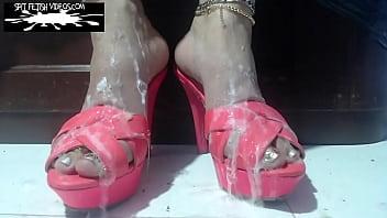 STUDIO 382978-ELIZABETH SPIT SNOT FOOT BUKKAKE :  https://spitfetishvideos.com/product/studio-382978-elizabeth-spit-snot-foot-bukkake