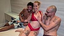 A paulista safada Milf Fada Mel gozou muito fudendo com os dois cariocas que o Jr Doidera levou pra gravar com ela - Antonyvtt