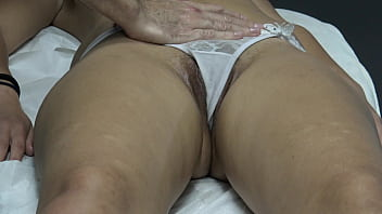 Masseur Masturbate Arabian Customer's Hairy Pussy at Massage Room