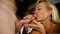 Sexy cougar loves to suck and fuck hard cock for a facial cumshot