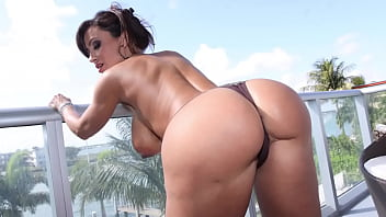 CULIONEROS  - Big Tits PAWG Lisa Ann Letting Bitches Know What's Up 11 min