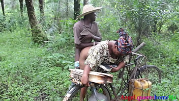 Some where in Africa ,the Yoruba house wife BBW caught fucking by the village palm wine tapper on her way to market, he convince her because of his palm wine and fucked her rough on the road side. ( part 1)FULL VIDEO ON ️XVIDEO RED  (Patricia 9ja)