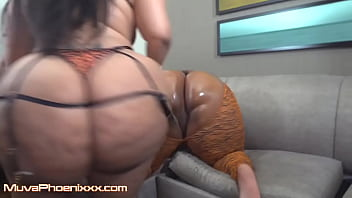 PREVIEW Thick Ebony Dallas playhouse shares double dildo with phat ass booty Ebony muvaphoenix