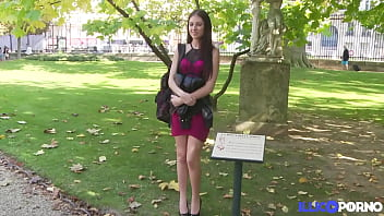Rebecca Volpetti, étudiante très sexy et folle d'anal