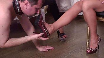 Glamour GIrls order shoe slave!