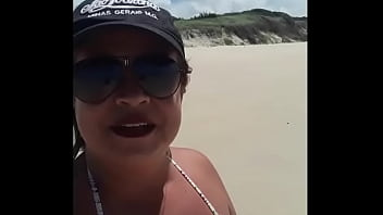 Me exibindo na praia