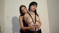 Sindy Black performs bondage and clips the tits of her slave