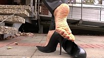 Cams4free.net - Smoking and Shoeplay in Park