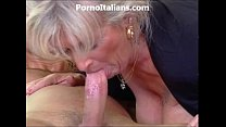 Milf blonde gets beat by muscled stud and features - milf di fa scopare dotato