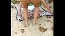 Peladinha na praia...antes de levar pica!!!