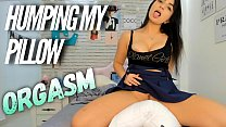 Hot Latina TEEN  Pillow humping after school! Orgasm Female Very Hot - Novinha esfregando no travesseiro ate Gozar