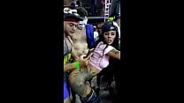 Me la cojo en una fiesta - Vídeo completo: http://j.gs/CUj4