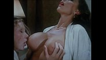 Italian vintage porn: it starts with two hot lesbians and it turns in threesome