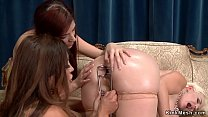 Threesome lesbian gape and anal fist