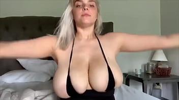 Very Hot Big Natural Tits Blonde Teen