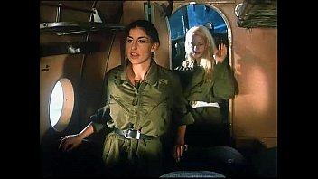 Sarah Young in Le porcone volanti 1 (Mario Bianchi)