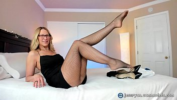Milf Jess Ryan Shows Off All Her Sex Toys