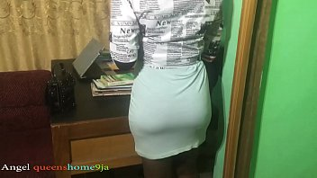 After lockdown student visit lecturer in his office for expo, wear dress to entice her lecturer